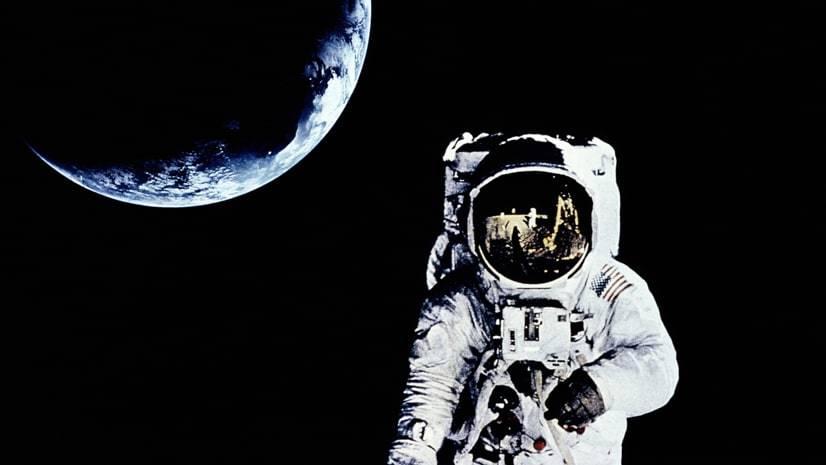 Por que não há som no espaço?